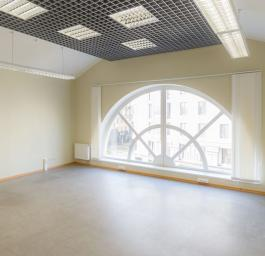 Аренда офиса 37.7 кв.м, Парадная ул., дом 3